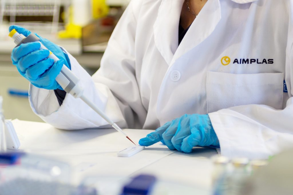 AIMPLAS develops rapid antibody test that is more sensitive than commercial tests in detecting immunity to SARS-CoV-2 and UK variant